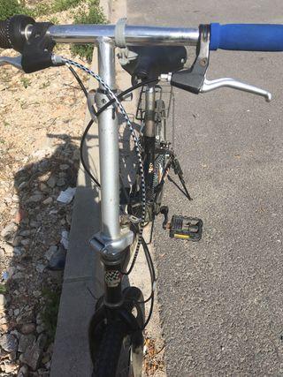 Bicicleta totalmente plegable