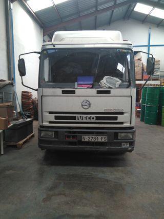 Camión Iveco 12 t