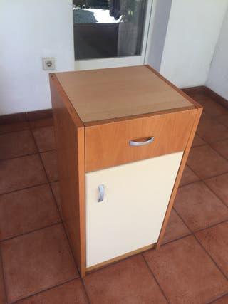 Cómoda con cajón (madera)