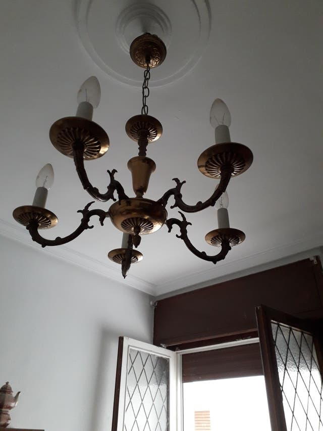 lampara bronce clásica.