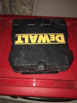 caja de laser dewalt