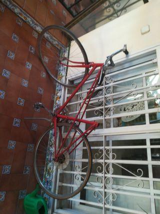 cuadro de bicicleta antigua. Modelo GAC.