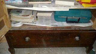 Armario antiguo de madera. 1 metro por 1,90 altur