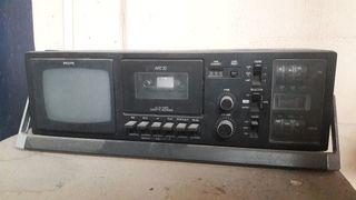 cassette con tv retro.