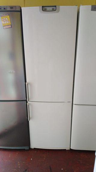 Frigorífico Siemens 1,85 x 60 cm , no Frost