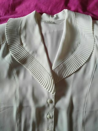 Blusa blanca de ceremonia