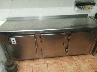 refrigerador industrial con encimera