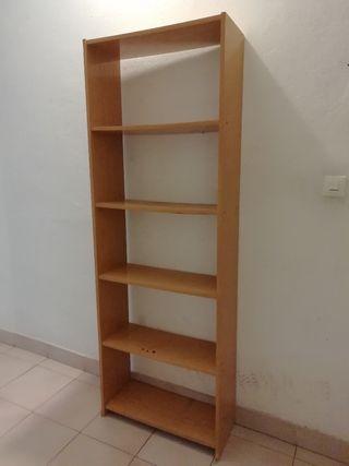 estantería dormitorio madera