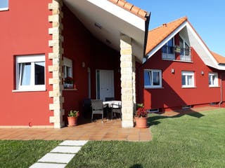 Elechas, casa individual con finca privada