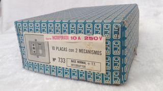 caja con 6 placas de 2 mecanismos y toma de tierra