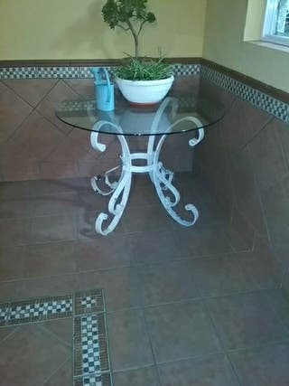 mesa blanca hierro