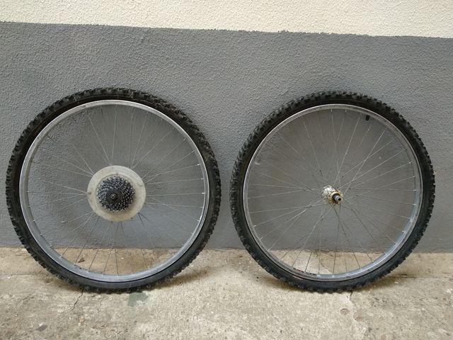 Cuadro bicicleta montaña y ruedas