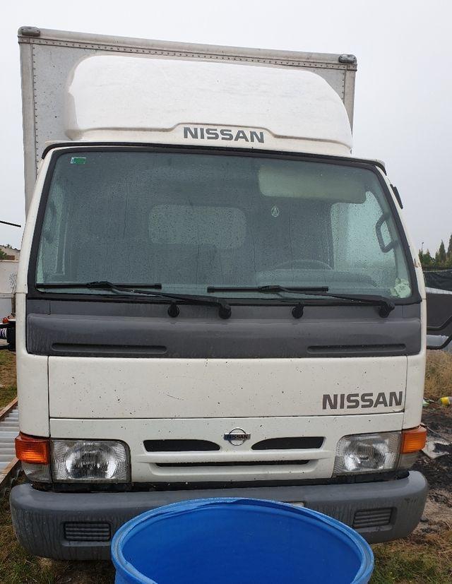 Nissan Cabstar 2000