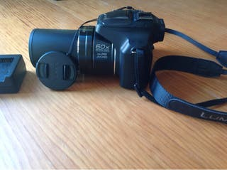 Cámara de fotos XZ 720