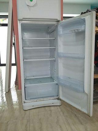 Nevera - congelador indesit OCASIÓN