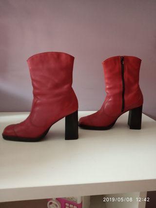 botas rojas número 40