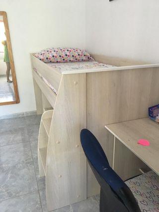 Litera con escritorio