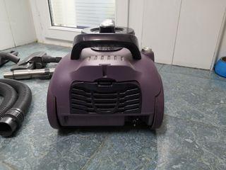 Aspiradora Taurus Megane 2200 Advance