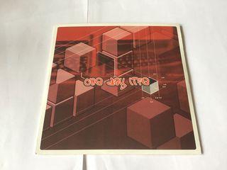 ONE DAY LIFE MINI CD DE CUATRO TEMAS