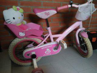 Bicicleta infantil de Hello Kitty