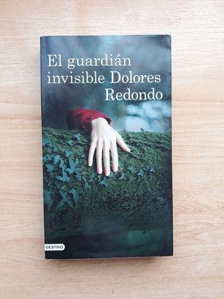 """Libro """"El guardián invisible"""" de Dolores Redondo"""