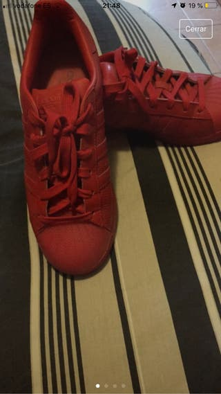 Zapatillas rojas de segunda mano en Ourense en WALLAPOP