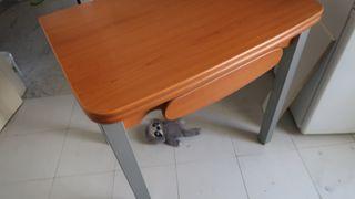 Mesa de cocina extensible + 3 sillas