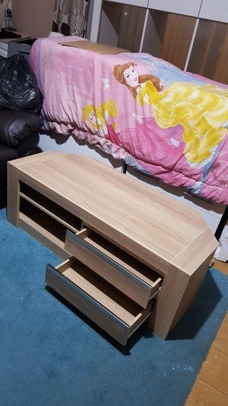 new TV unit £100