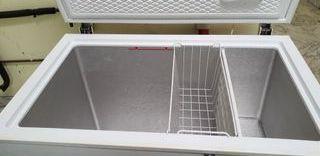 Congelador funciona bien 104.5 largo alto 86cm