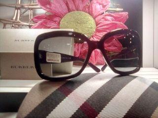Gafas de sol Burberry.