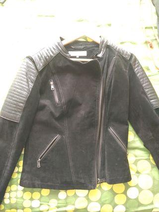 chaqueta ante y con detalles de cuero