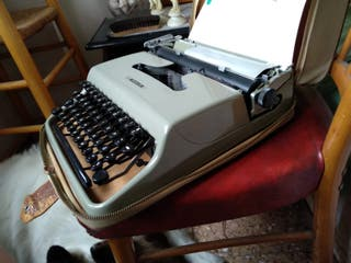 "Máquina escribir ""Pluma 22"""