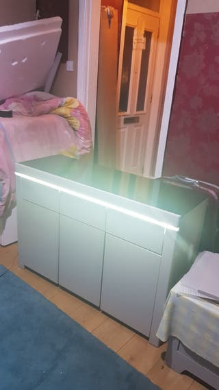 gray unit with black top and led light £175