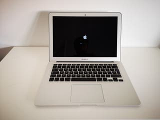 Apple MacBook Air 13 '' i5-1,8GHz | 8GB | 128 GB