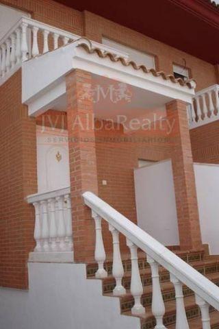 Casa adosada en venta en Pozohondo