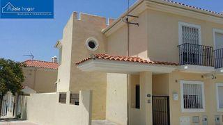 Casa adosada en venta en Campanillas en Málaga