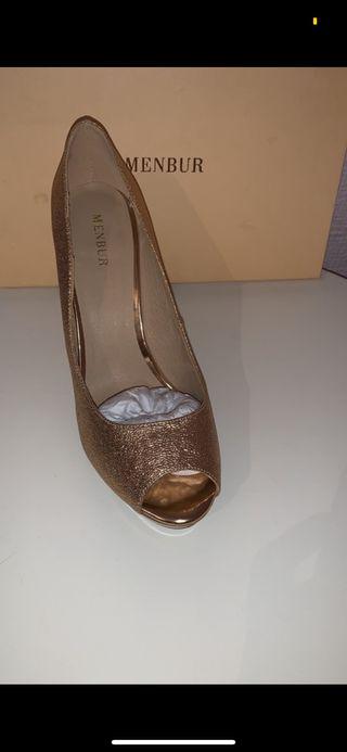 3ca2c7a28 Zapatos de tacón alto de segunda mano en Sevilla en WALLAPOP