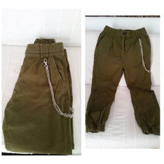 Pantalón Cargo con cadena Bershka