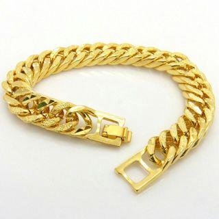 Signo collar y anillo en oro puro.