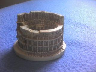 souvenir el coliseo de Roma + 2 regalos