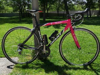 Bicicleta de carretera Giant T-Mobile. Carbono