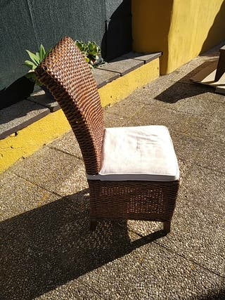 4 sillas de ratan