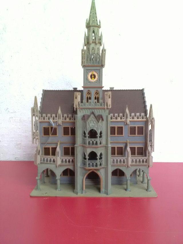 Maqueta de iglesia escala H:O para trenes