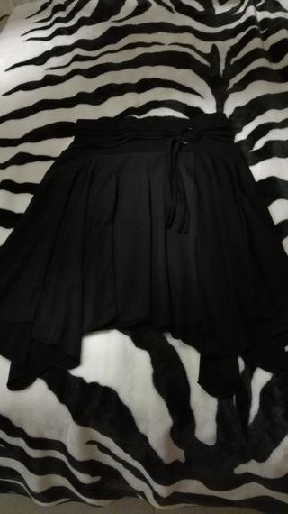 2812f6f7e Falda negra de segunda mano en Riba-Roja de Turia en WALLAPOP