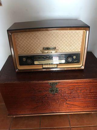 Radio philips alemana en perfecto estado