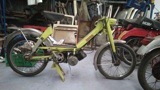 Mobylette motobecane cady