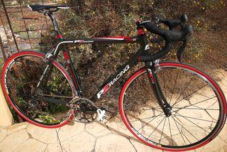 Bicicleta de carretera perfecto estado.