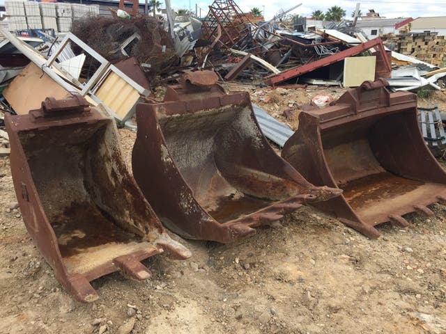 3 cazos para maquina excavadora
