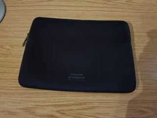 """Funda Tucano para MacBook 13"""""""