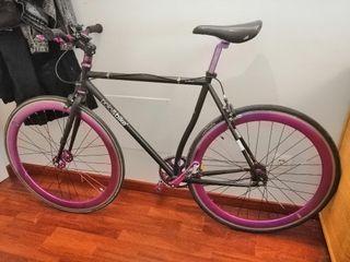 Bicicleta Fixie P&b nigra